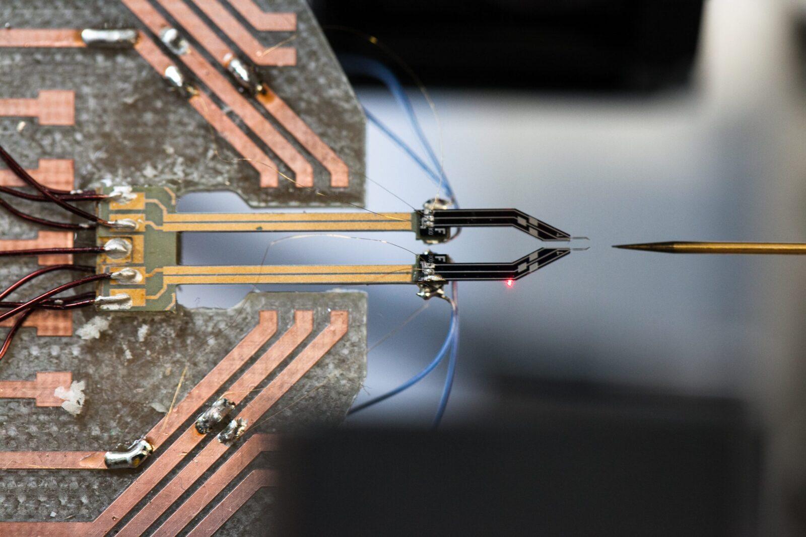 nano pince (CNRS)