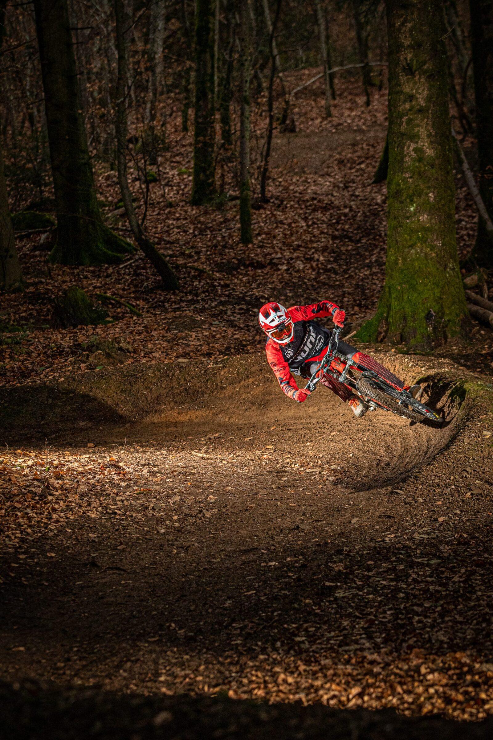 VTT DH free ride