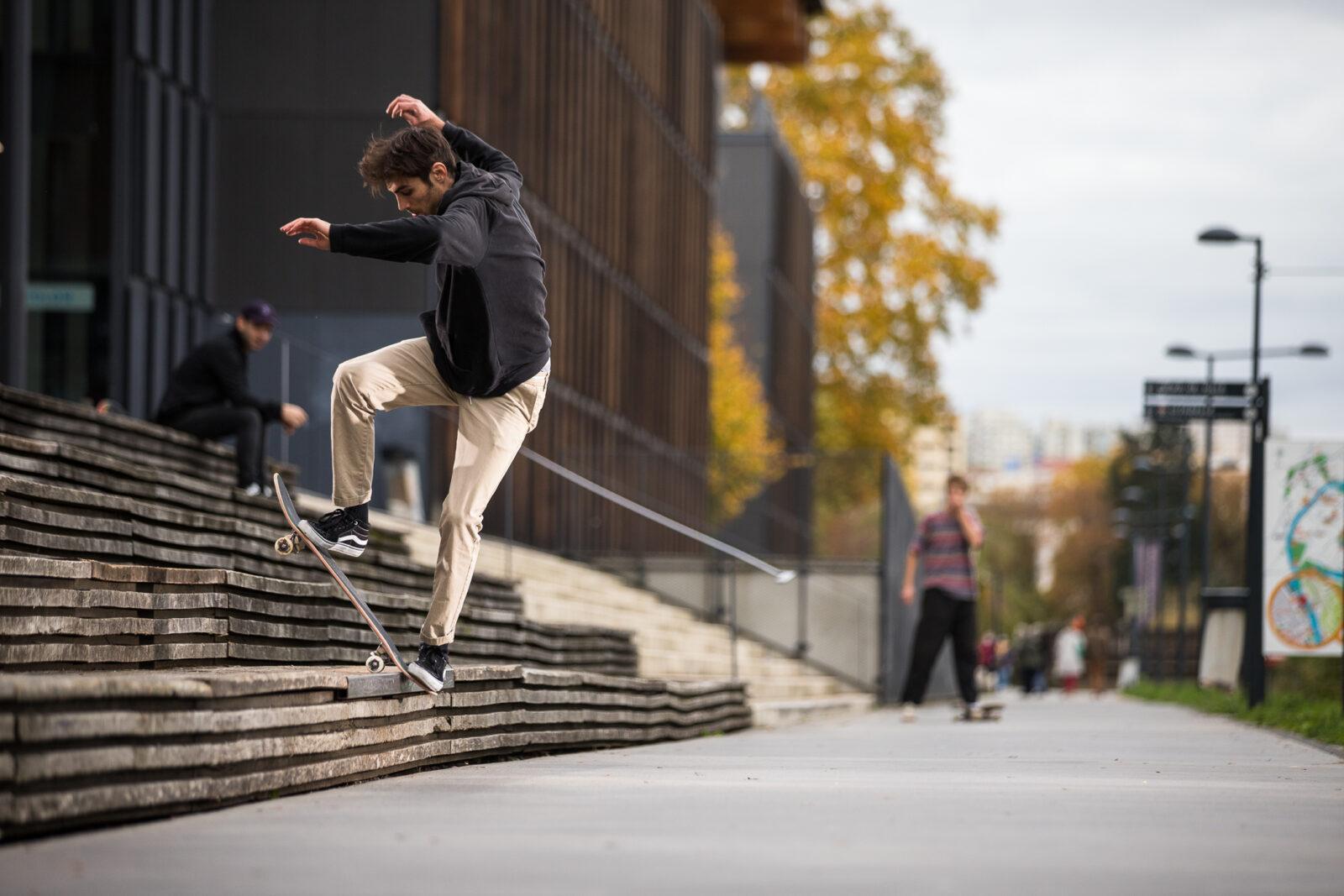 skateboard blunt slide