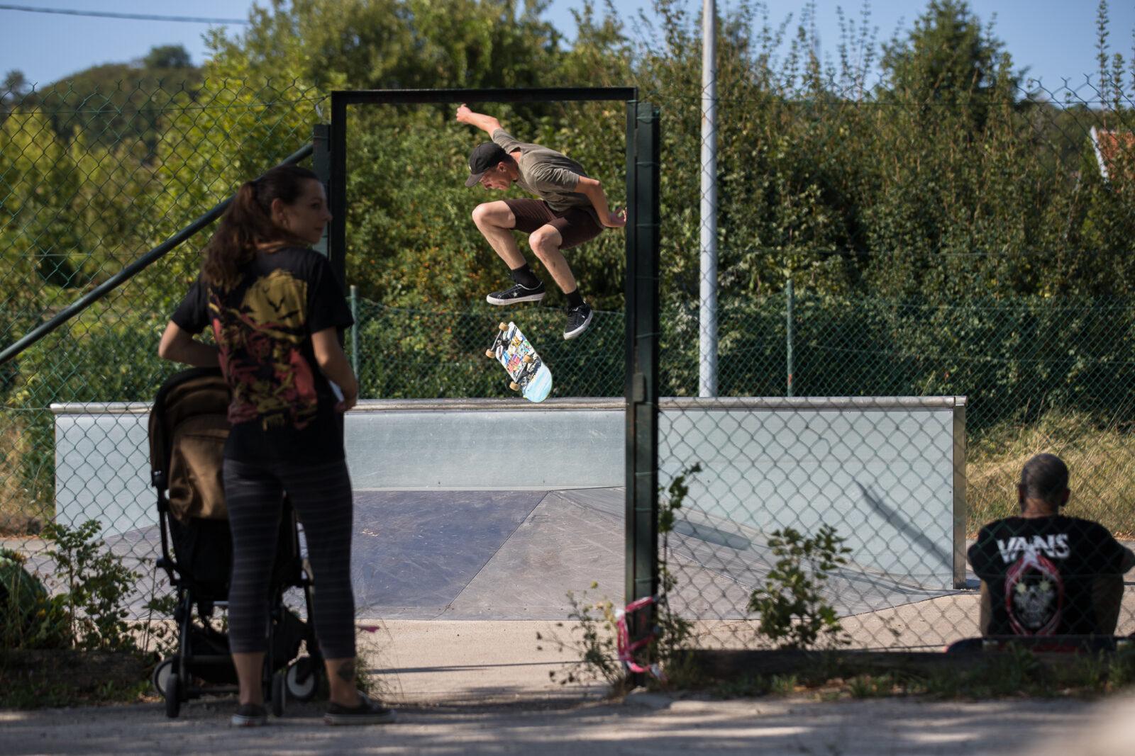 skateboard fakie halfcab flip